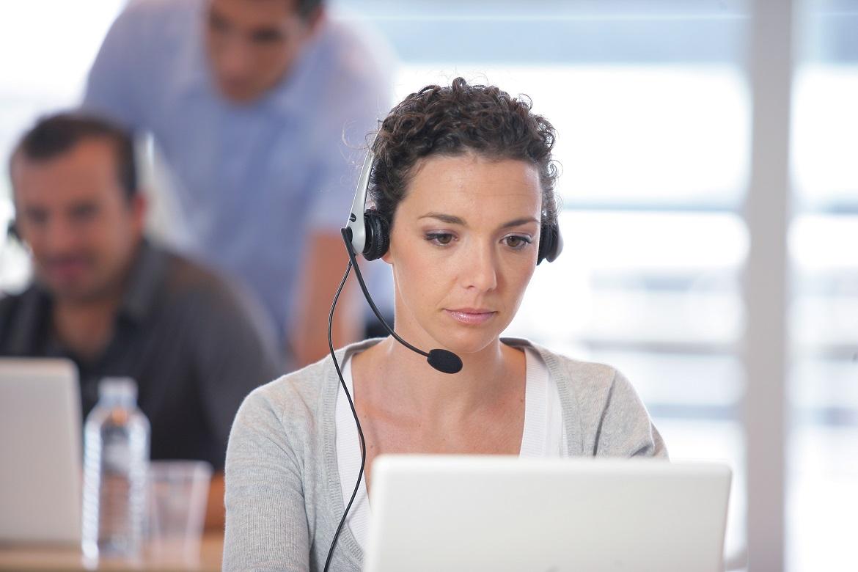 Importance of Hiring Professional Mobile Phone Repair Technician